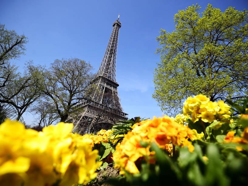 Vista da Torre Eiffel, em Paris - 08/04/2015