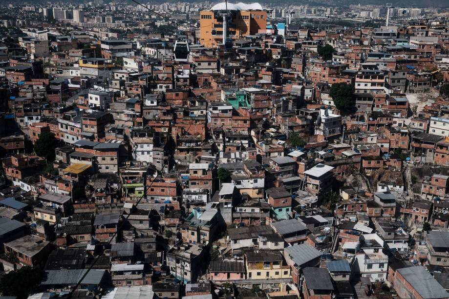 Vista geral do complexo de favelas do Alemão no Rio de Janeiro - 08/04/2015
