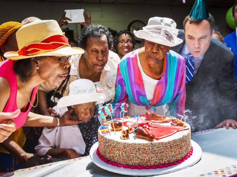 Susannah Mushatt Jones, celebrou seus 116 anos com a família e amigos no bairro do Brooklyn, em Nova York. Neta de escravos, Susannah é a pessoa mais velha do mundo