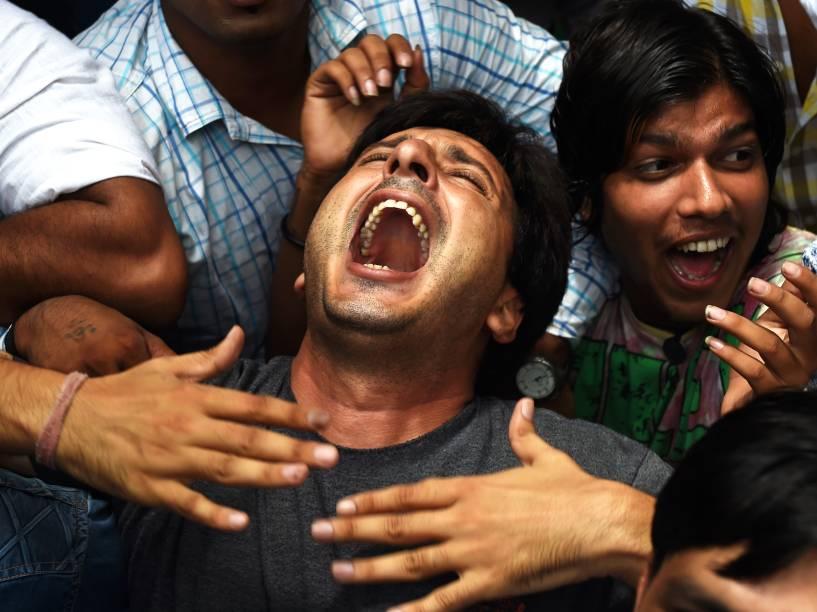 "Ativistas do ""Congresso da Juventude indiana"", protestam contra o governo indiano após suposto ataque terrorista no distrito de Gurdaspur, Punjab, Nova Délhi - 27/07/2015"