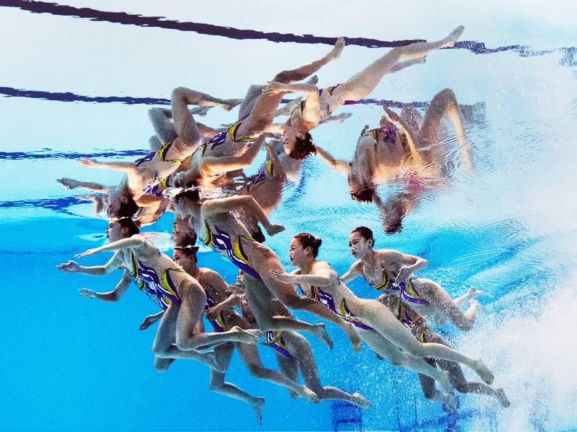 Equipe da Coreia do Norte foi fotografada antes da final do nado sincronizado durante o Campeonato Mundial de Esportes Aquáticos em Kazan, na Rússia