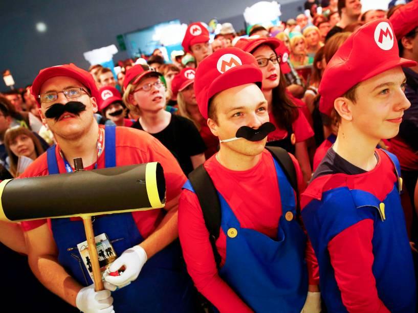 Fãs celebram os 30 anos do personagem Mario Bros durante a maior feira de games da Europa, a Gamescom, que acontece até o próximo domingo (9) - 06/08/2015