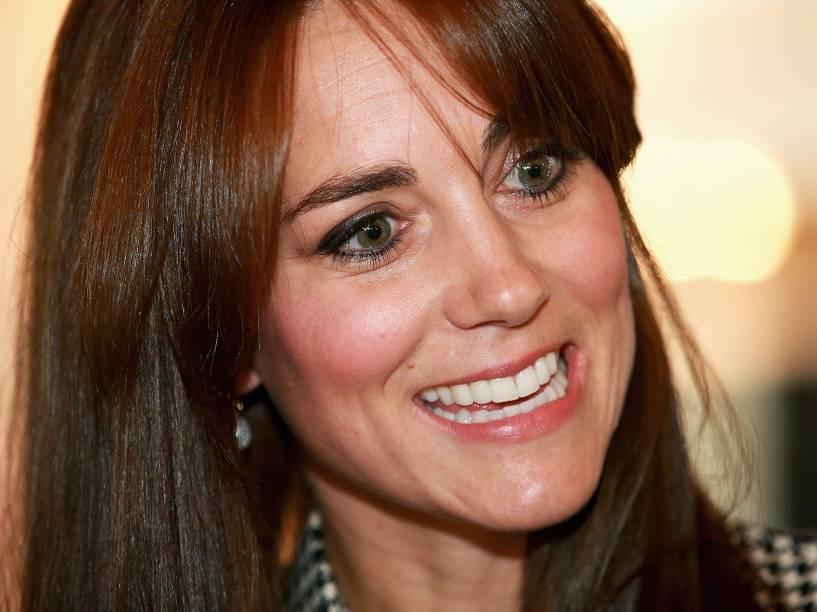 A Duquesa de Cambridge, Kate Middleton, visita o centro Anna Freud, em Londres nesta quinta-feira (17)