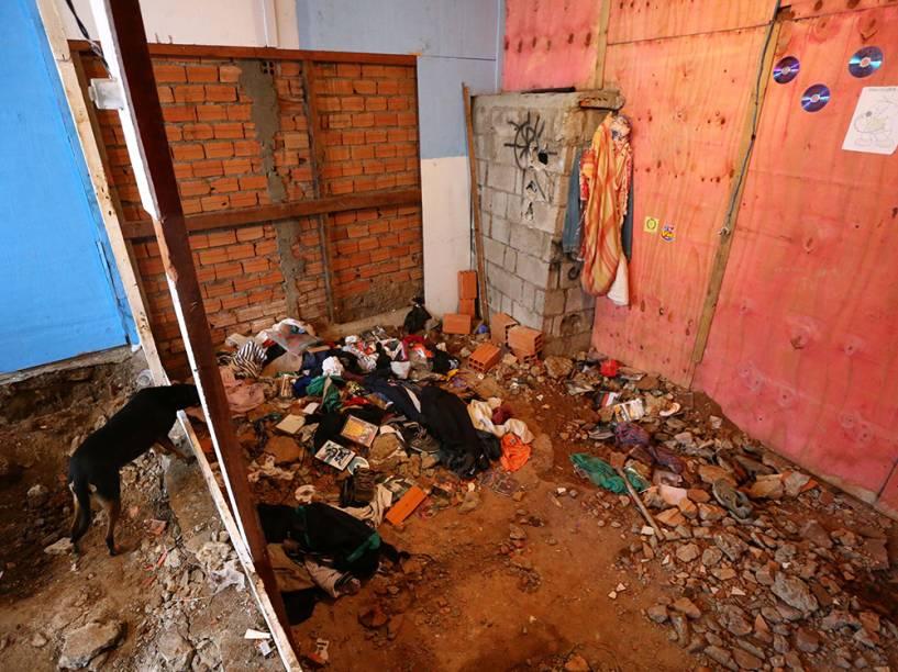 Vista da casa de um pintor onde foram encontrados cadáveres e ossada no Jabaquara, Zona Sul de São Paulo