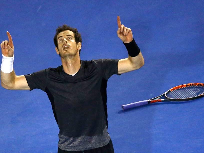 O tenista britânico Andy Murray, número dois do ranking mundial, qualificou-se esta segunda-feira (25) para os quartas de final do Open da Austrália, primeiro Grand Slam da temporada<br>
