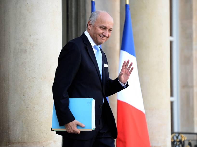Membro mais antigo do gabinete de François Hollande, o ministro das Relações Exteriores da França, Laurent Fabius, renunciou nessa quarta-feira