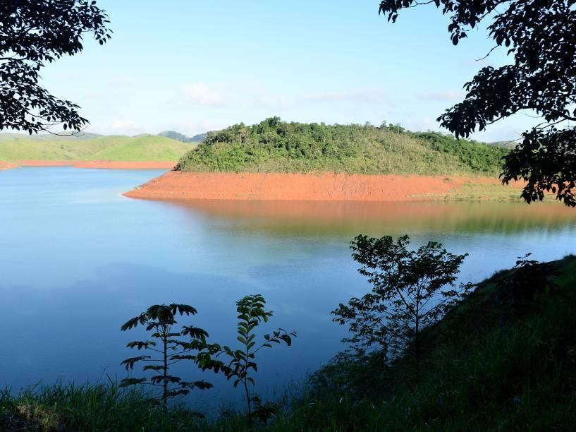 Vista da Represa do Jaguari, que faz parte do Sistema Cantareira, na região de Jacareí, no Vale do Paraíba, interior de São Paulo, nesta sexta- feira.