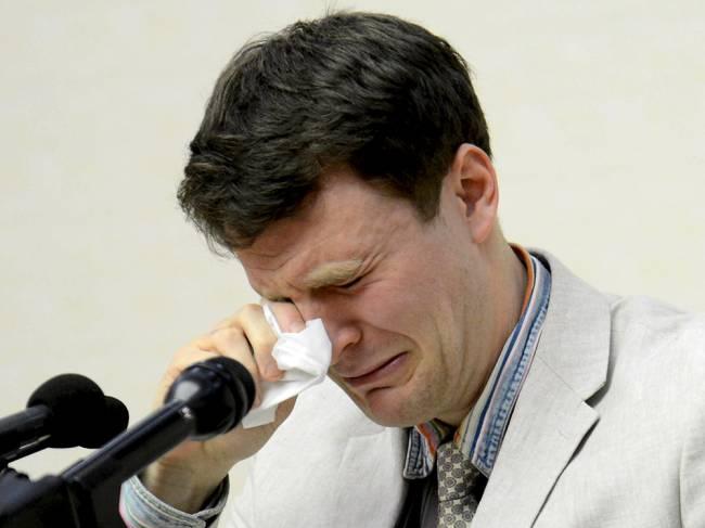"""Otto Frederick Warmbier durante conferência em Pyongyang, na Coreia do Norte. O estudante norte-americano está detido desde janeiro, acusado de """"atos hostis"""" pelo regime norte-coreano. Segundo a mídia estatal, Warmbier confessou """"crimes severos"""" contra o Estado"""
