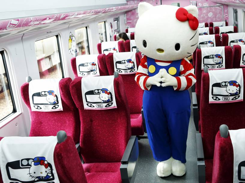 A composição temática do Hello Kitty faz nesta segunda-feira (21) sua viagem inaugural em Taipei, Taiwan, com destino à cidade de Taitung