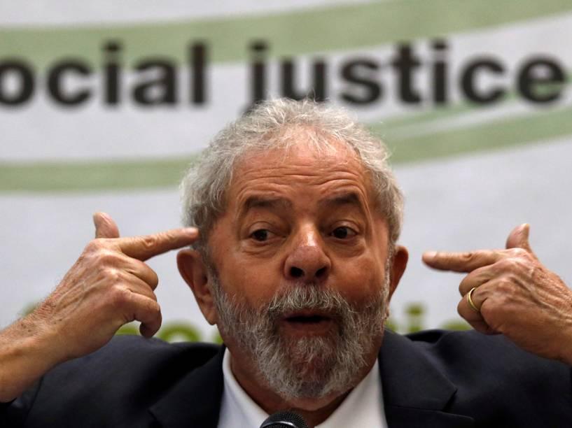 """Ex-presidente da república Luiz Inácio Lula da Silva discursa no seminário """"Democracy and Social Justice"""", em São Paulo - 25/04/2016"""