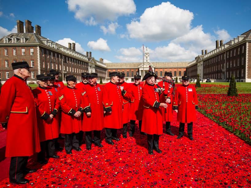 Apresentação da banda de Gaita-de-foles escocesa comemora o Chelsea Flower Show, evento de exibição de flores que acontece em Londres desde 1913 - 23/05/2016