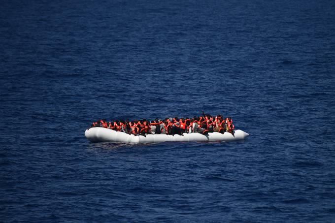 alx_imagens-do-dia-mundo-crise-refugiados-mediterraneo-20160524-25_original.jpeg