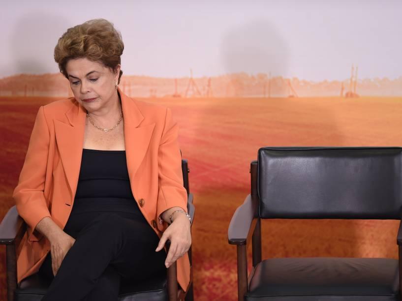 Presidente Dilma Rousseff comparece a cerimônia de lançamento do novo Plano Agrícola e Pecuário. no Palácio do Planalto, em Brasília - 04/05/2016
