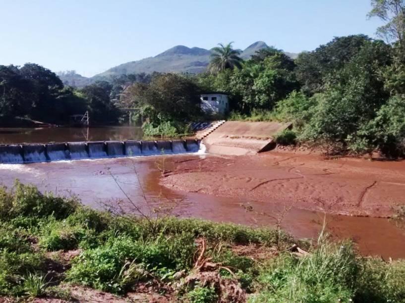 Vazão do Rio das Velhas, principal fonte de água da Grande Belo Horizonte, está em queda - foto de 14/01/2015