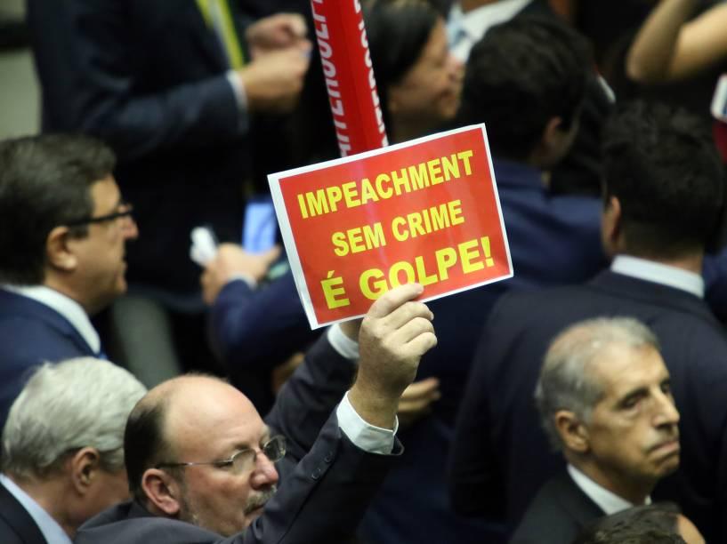 Sessão para votação do processo de impeachment da presidente Dilma Rousseff no plenário da Câmara dos Deputados, em Brasília - 17/04/2016