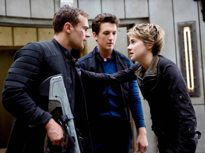 Os atores Theo James, Miles Teller e Shailene Woodley, em cena do filme Insurgente