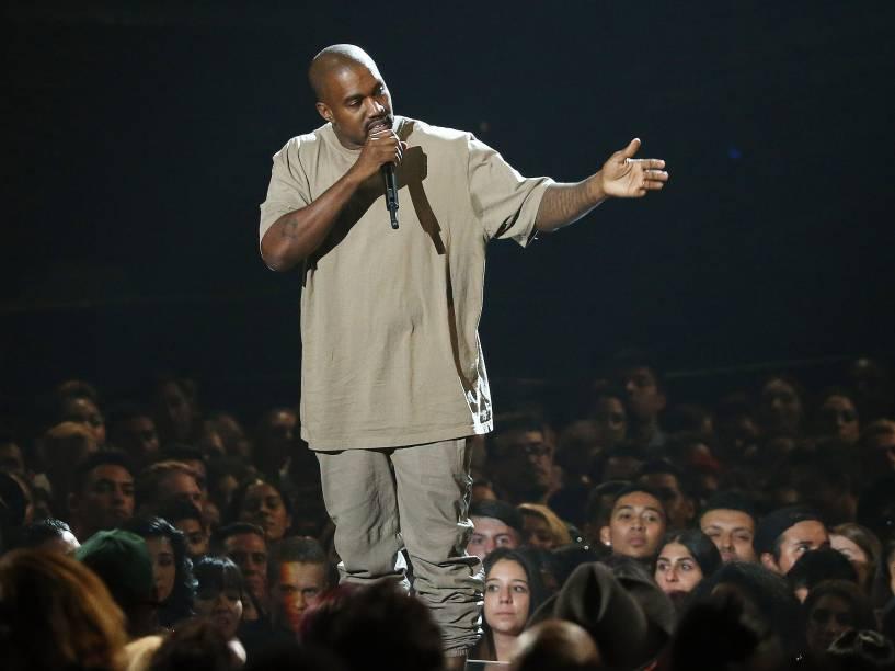 Kanye West durante o Video Music Awards, da MTV, em Los Angeles, neste domingo (30)
