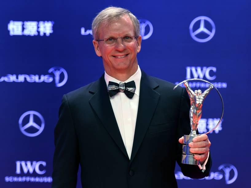 Alan Eustace venceu Gabriel Medina na categoria de esportes radicais. A cerimônia de premiação do Laureus aconteceu em Xangai, China