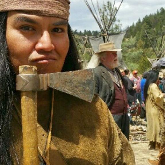 O ator Navajo Loren Anthony, um dos cerca de doze que abandonaram o set de The Ridiculous Six, de Adam Sandler