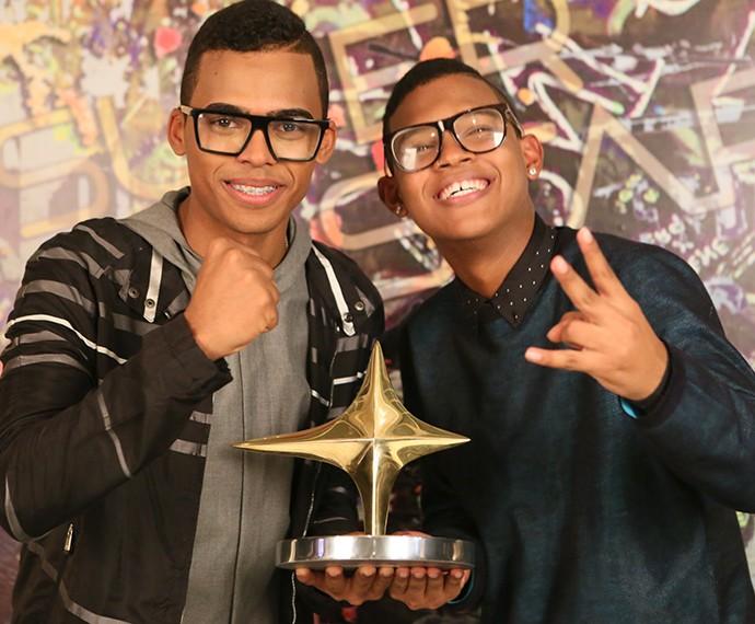 Lucas e Orelha, os campeões da segunda temporada de SuperStar, o reality musical da Globo