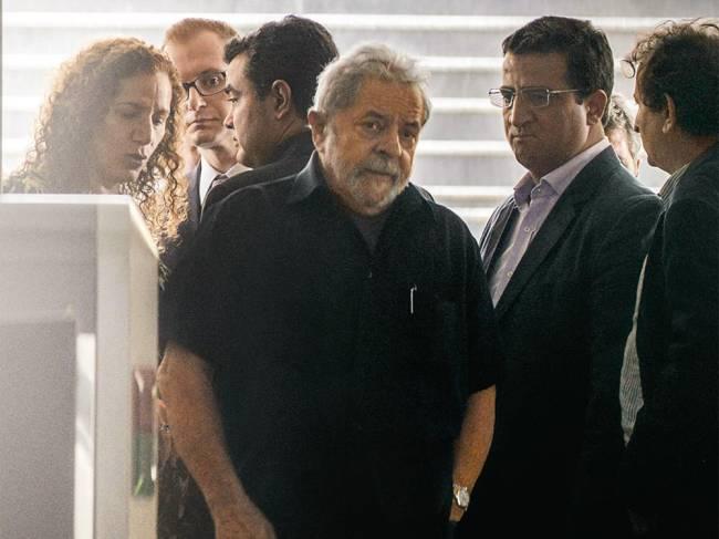 CONDUZIDO - Por segurança, a força-tarefa da Lava-Jato ouviu o depoimento de Lula no Aeroporto de Congonhas