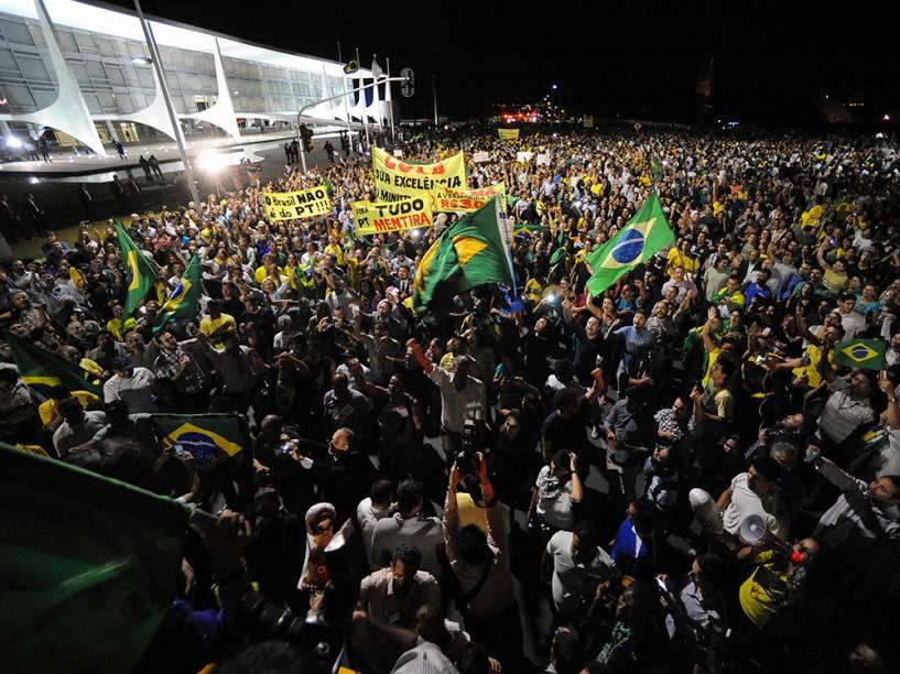 Manifestação contra a nomeação do ex-presidente Lula, para o cargo de ministro-chefe da Casa Civil