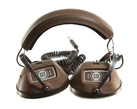 Esse fone de ouvido apareceu na série como propriedade de Bob Benson