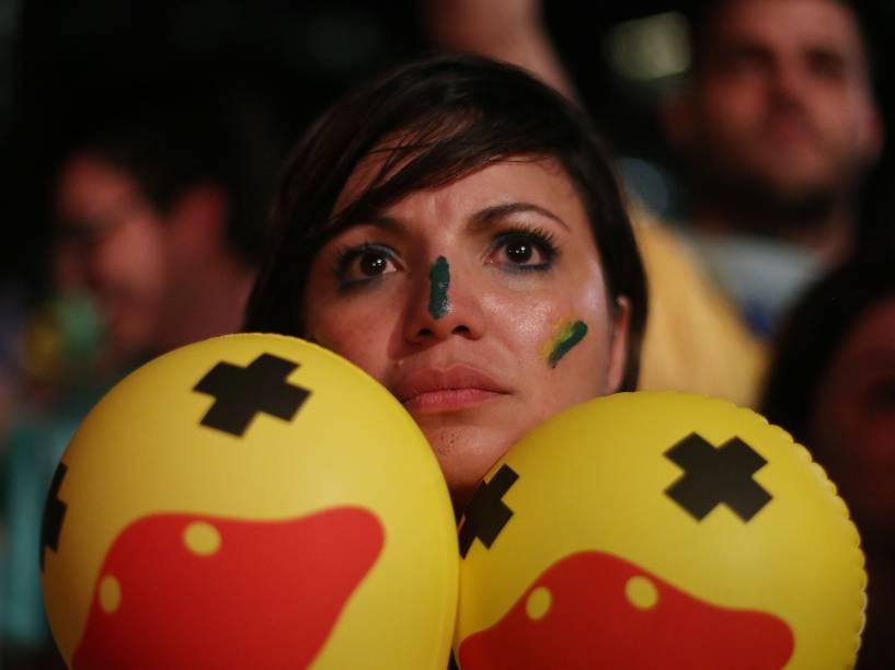 Na Avenida Paulista, manifestantes torcem para que o processo de Impeachment tenha continuidade, enquanto a votação acontece na Câmara dos Deputados - 17/04/2016