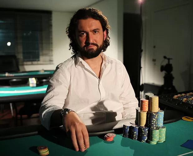 Marco foi campeão brasileiro de pôquer em 2009