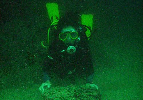 Mergulhadores húngaros são suspeitos de pilhar e contrabandear tesouro encontrado na costa de Pernambuco