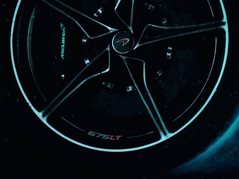 Detalhes da nova McLaren 675LT