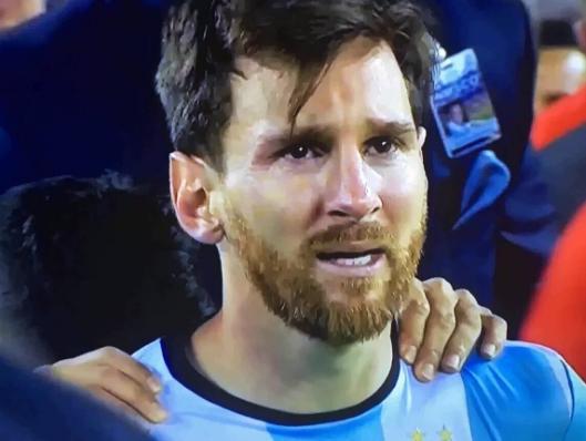 O choro do gênio: tristeza de Messi com a derrota da Copa América comoveu argentinos