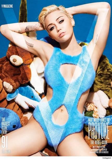 A cantora Miley Cyrus em ensaio para a revista V Magazine
