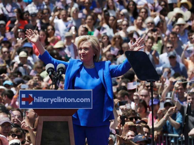 Hillary Clinton lança oficialmente sua campanha de pré-candidatura à presidência dos Estados Unidos em um grande comício em Nova York - 13/06/2015