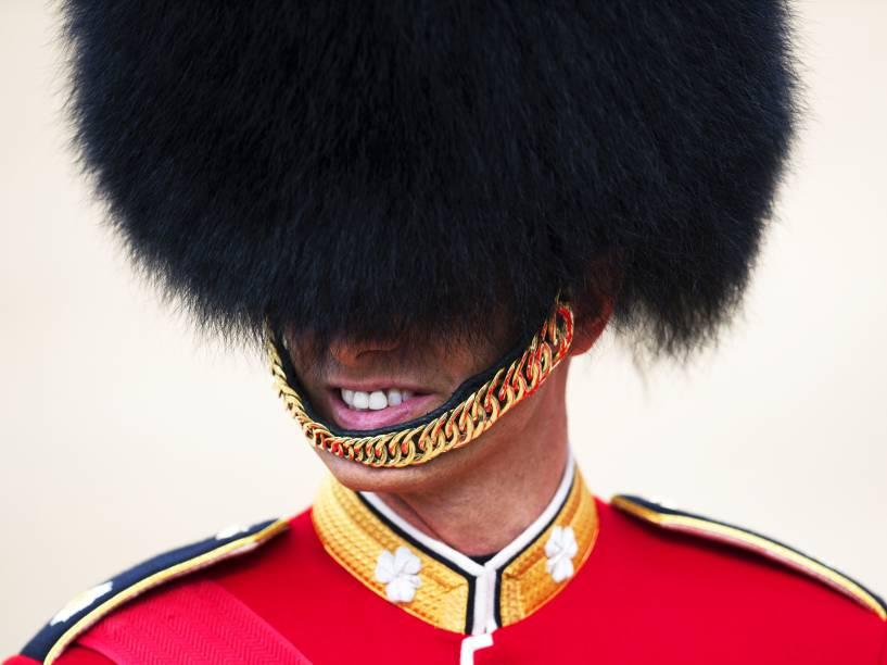 Soldado britânico, durante a parada Trooping the Colour, que celebra o aniversário da rainha Elizabeth II, em Londres, na Inglaterra - 11/06/2016