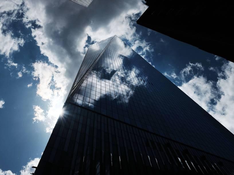 A plataforma de observação fica no topo do edifício de 104 andares construído no local das Torres Gêmeas que sofreram com o ataque terrorista de 2001