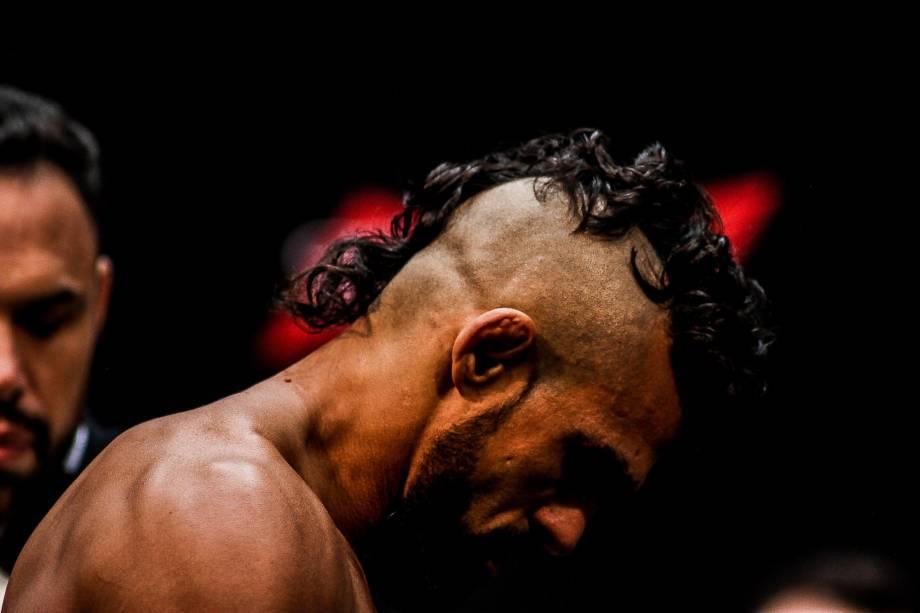Victor Belfort luta contra Ronaldo Jacaré no UFC que aconteceu na Arena da Baixada, em Curitiba