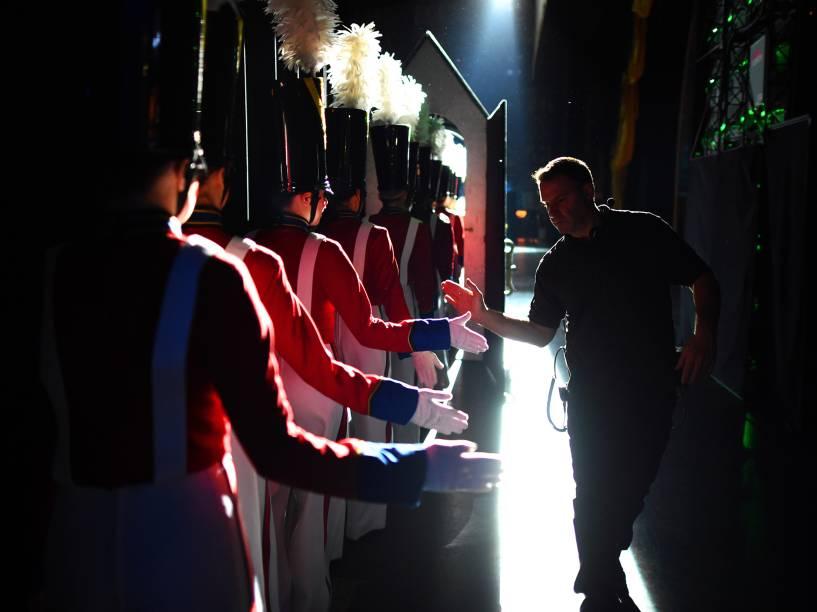Bastidores da apresentação do grupo de dança The Rockettes, durante o Radio City Christmas Spectacular, show anual realizado no Radio City Music Hall desde 1933
