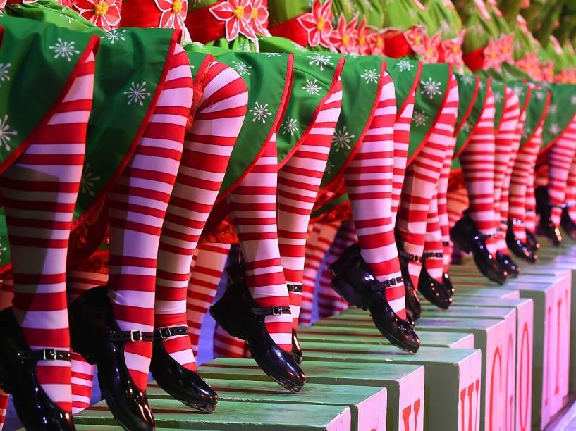Apresentação dos Rockettes, durante o Radio City Christmas Spectacular, show anual realizado no Radio City Music Hall desde 1933