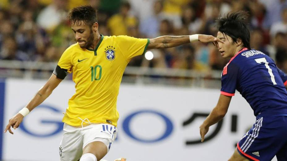 Neymar levou vantagem nas jogadas individuais diante do Japão, em Cingapura