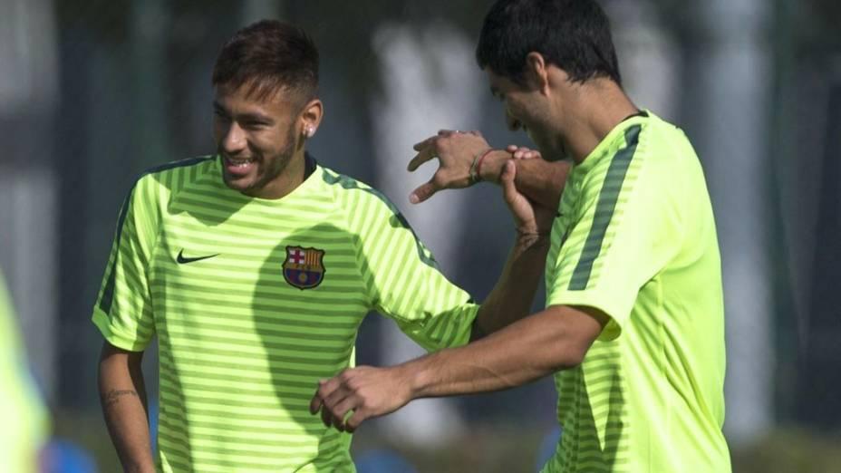 Neymar e Luis Suárez no treino do Barcelona, nesta segunda-feira