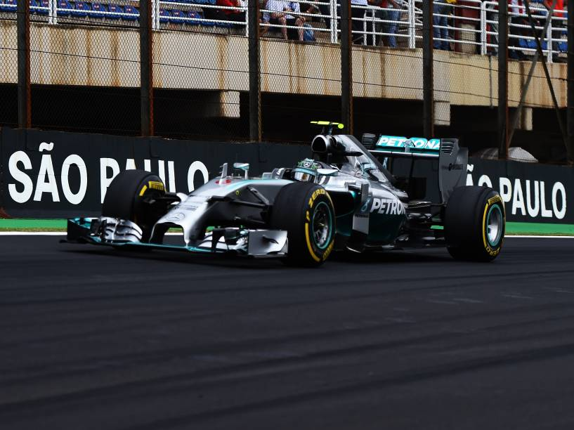 Nico Rosberg da Mercedes durante treino classificatório para o Grande Prêmio do Brasil de Fórmula 1