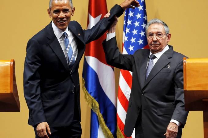 alx_obama-raul-cuba_copy_original.jpeg