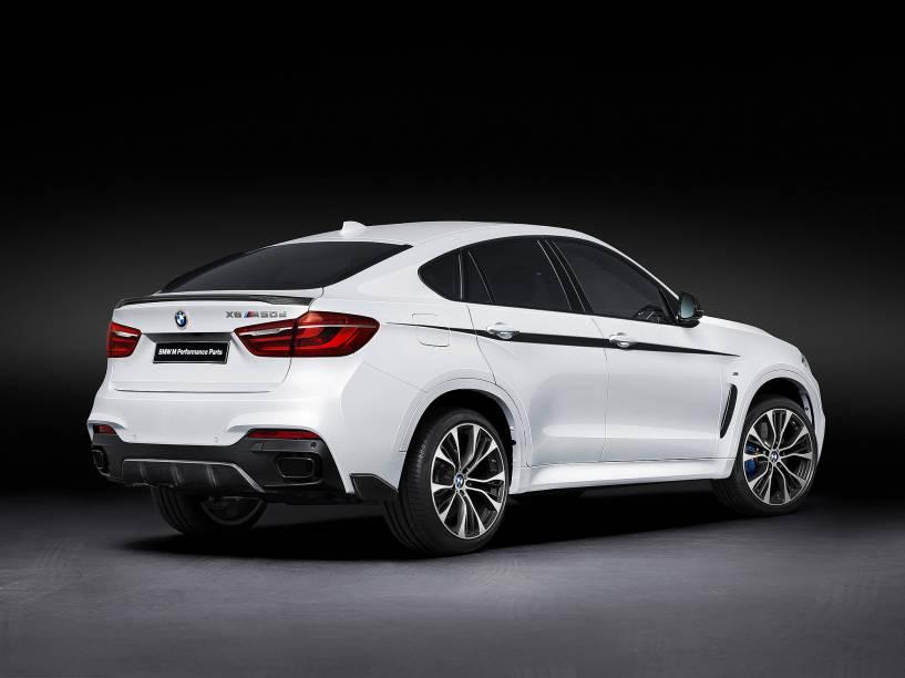 O X6 tem motor V8 TwinPower Turbo 4.4 e potência de 450 cv
