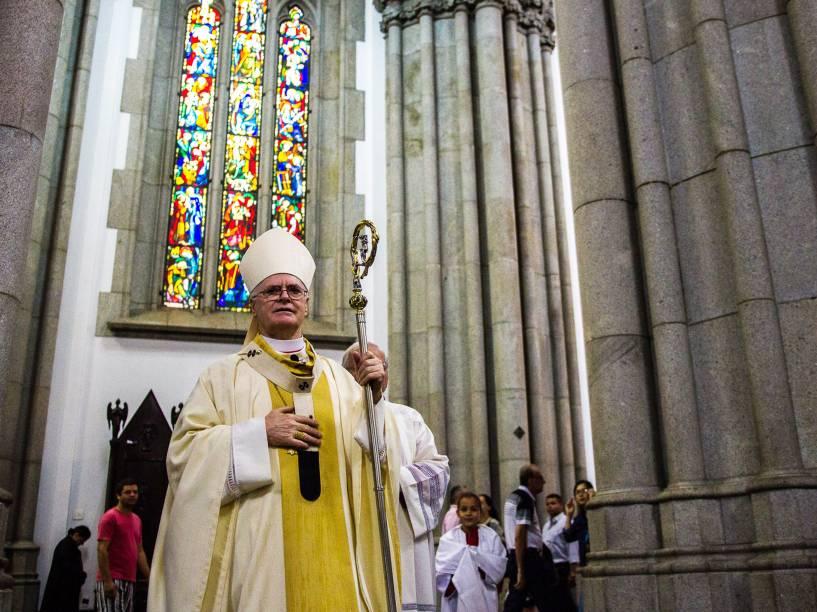 No domingo de Páscoa, o Cardeal Dom Odilo Pedro Scherer, celebra missa na Catedral da Sé, em São Paulo