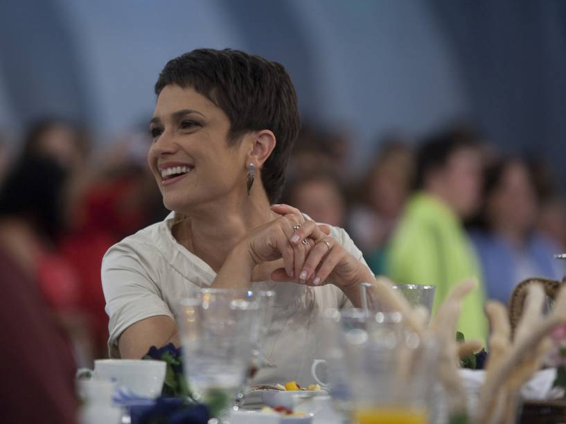 A jornalista Sandra Annenberg no programa especial em comemoração aos 10 anos do Mais Você, da Rede Globo - 2009