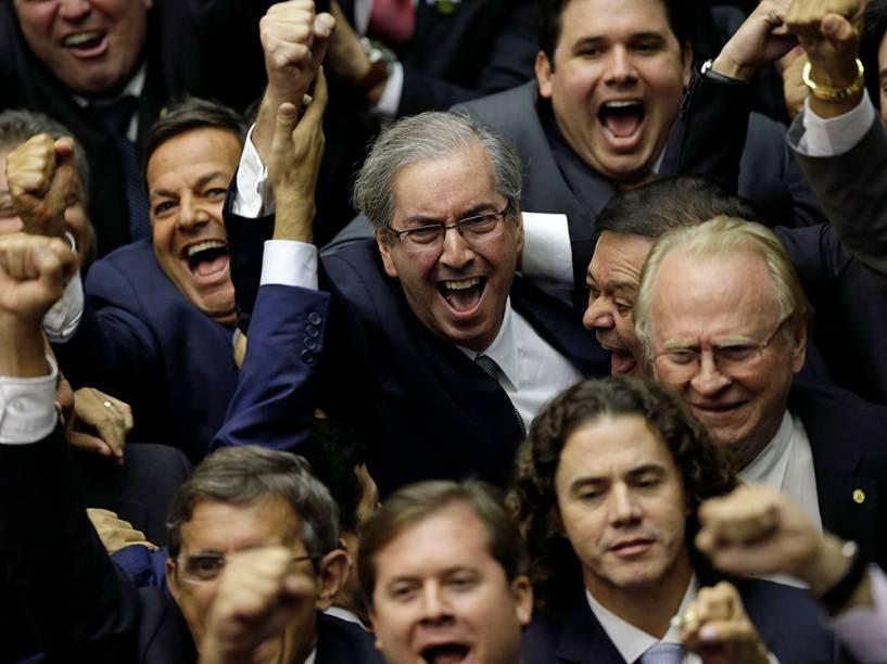 Eduardo Cunha vence votação na Câmara dos deputados