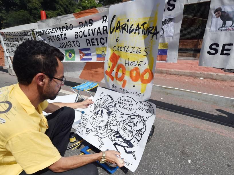 Ambulante durante protesto na Avenida Paulista, em São Paulo