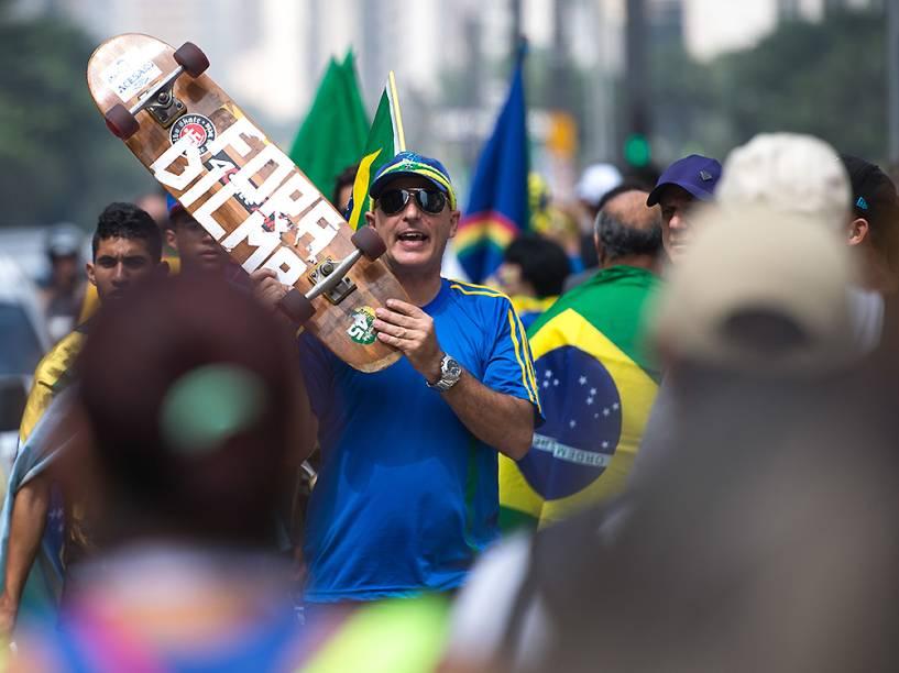 Em São Paulo, manifestantes fazem ato contra a corrupção e contra o governo na Avenida Paulista