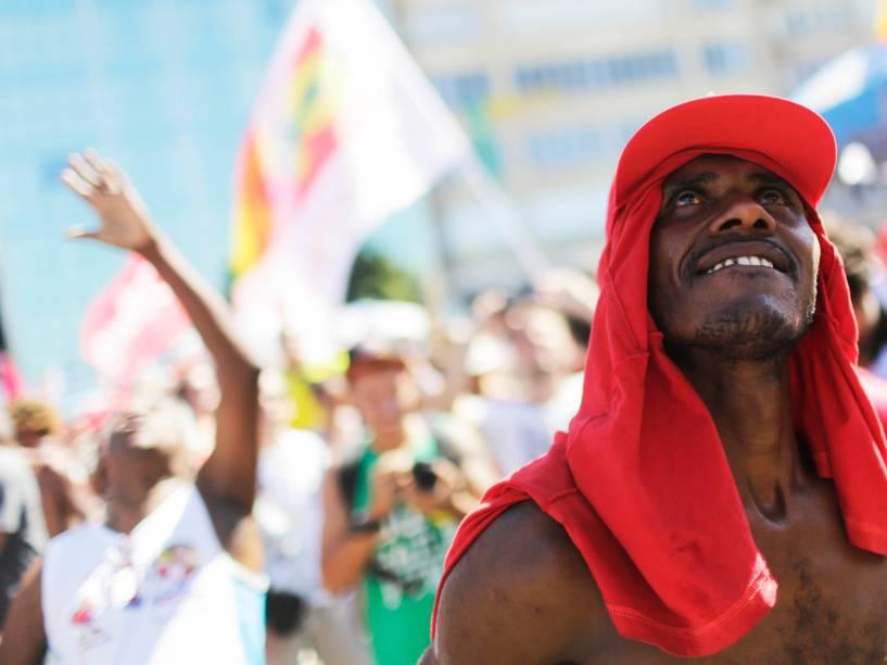 Manifestantes se reúnem no Rio de Janeiro contra o prosseguimento do processo de Impeachment, que será votado hoje na Câmara dos Deputados - 17/04/2016
